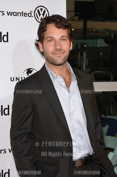 Actor PAUL RUDD at the world premiere of his new movie 40 Year-Old Virgin, at the Arclight Theatre, Hollywood..August 11, 2005  Los Angeles, CA.© 2005 Paul Smith / Featureflash
