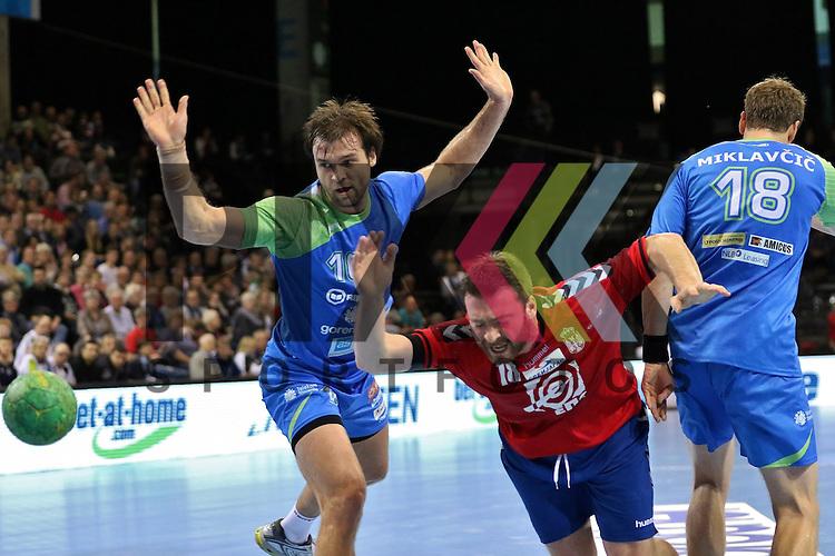 Flensburg, 06.11.15, Sport, Handball Supercup 2015, Serbien-Slowenien : Rastko Stojkovic (Serbien, #18)<br /> <br /> Foto &copy; PIX-Sportfotos *** Foto ist honorarpflichtig! *** Auf Anfrage in hoeherer Qualitaet/Aufloesung. Belegexemplar erbeten. Veroeffentlichung ausschliesslich fuer journalistisch-publizistische Zwecke. For editorial use only.
