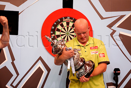24.07.2016. Empress Ballroom, Blackpool, England. BetVictor World Matchplay Darts. Michael van Gerwen with the winners trophy