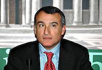 Roma 16 11 2004 Presentazione della Lista Civica per il Lazio<br /> Piero Marrazzo Candidato alla Regione Lazio<br /> Foto Serena Cremaschi Insidefoto