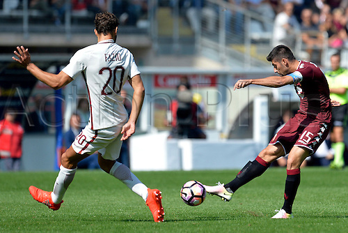 25.09.2016. Stadio Olimpico Grande Torino, Turin, Italy. Serie A Football. Torino versus Roma. Marco Benassi has a shot at goal