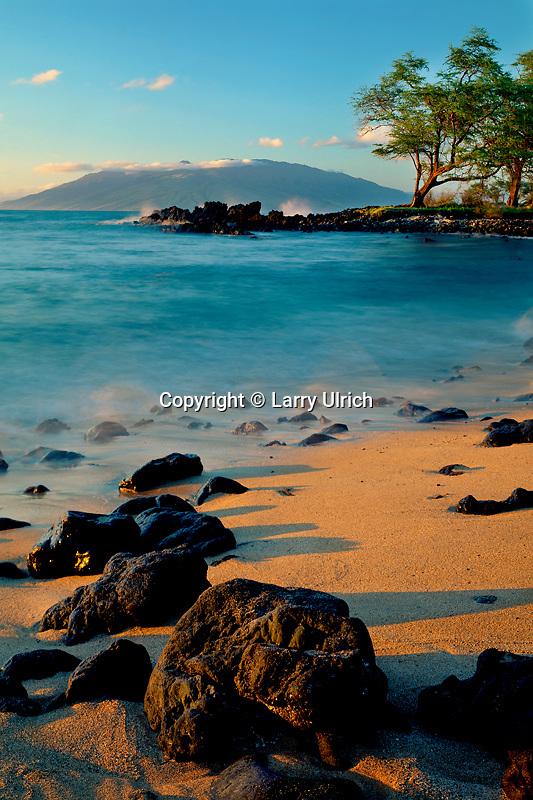 West Maui Mountains<br />   from Makena Bay<br /> Makena<br /> Island of Maui,  Hawaii