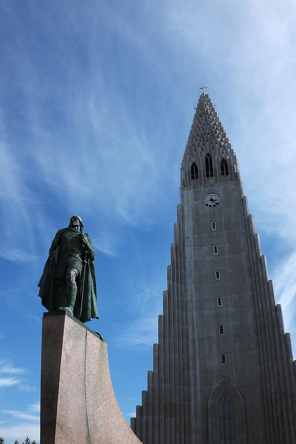 Statue of Leif Erikson in front of Hallgrímskirkja church, Reykjavik, Iceland
