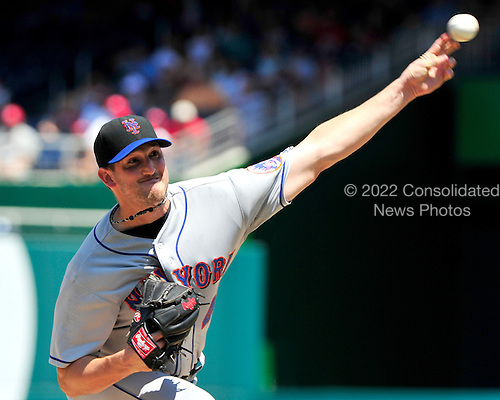 New York Mets pitcher Johnathan Niese (49) pitches in the first inning against the Washington Nationals at Nationals Park in Washington, D.C. on Sunday, July 31, 2011.  .Credit: Ron Sachs / CNP.(RESTRICTION: NO New York or New Jersey Newspapers or newspapers within a 75 mile radius of New York City)