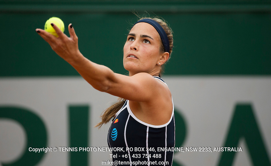 MONICA PUIG (PUR)<br /> <br /> TENNIS - FRENCH OPEN - ROLAND GARROS - ATP - WTA - ITF - GRAND SLAM - CHAMPIONSHIPS - PARIS - FRANCE - 2016  <br /> <br /> <br /> <br /> &copy; TENNIS PHOTO NETWORK