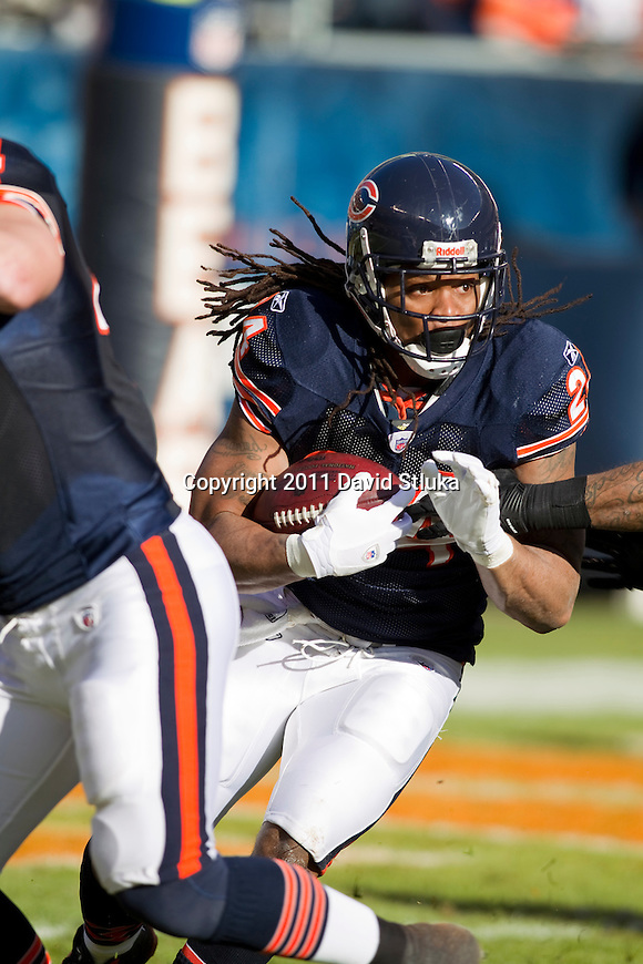 Chicago Bears running back Marion Barber (24) carries the ball during a week 15 NFL football game against the Seattle Seahawks on December 18, 2011 in Chicago. The Seahawks won 38-14. (AP Photo/David Stluka)