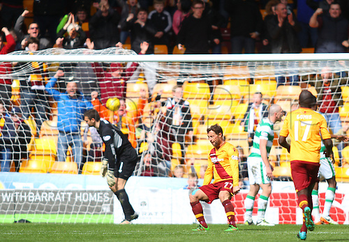 09.04.2016. Fir Park, Motherwell, Scotland. Scottish Football Premiership Motherwell versus Celtic. Scott McDonald celebrates his goal to draw his team level at 1-1