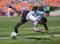 Fiji's Luisa Tisolo scores duirng the women's pool match against New Zealand during day two of the 2020 HSBC World Sevens Series Hamilton at FMG Stadium in Hamilton, New Zealand on Sunday, 26 January 2020. Photo: Dave Lintott / lintottphoto.co.nz