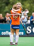 BLOEMENDAAL - Josien Galama (Bl'daal) heeft gescoord,  met Joelle Ketting (Bl'daal)   , 2e play out wedstrijd tussen Bloemendaal-HGC dames (2-0). COPYRIGHT KOEN SUYK