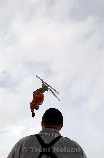 Kimball Junction - Members of the Fly aerial ski team practice at the Utah Olympic Park under the eye of coach Bruce Erickson.&amp;#xA;; 01.28.2004<br />