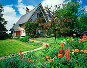 Tom Mackie, FLOWERS, photos, Thatched Cottage & Garden, near Dennington, Suffolk, England, GBTM86713-3,#F# Garten, jardín