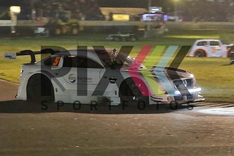 Padborg (DK), 12.09.15, Motorsport, Padborg Supertourisme Night, Danisch Supertourisme Turbo : Johan Jokinen (EDC Kim Olsen By KEO Racing, #05)<br /> <br /> Foto &copy; PIX-Sportfotos *** Foto ist honorarpflichtig! *** Auf Anfrage in hoeherer Qualitaet/Aufloesung. Belegexemplar erbeten. Veroeffentlichung ausschliesslich fuer journalistisch-publizistische Zwecke. For editorial use only.