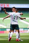 Torjubel nach dem 2-0: Torschuetze Milot Rashica (Werder Bremen) und Yuya Osako (Werder Bremen).<br /><br />Sport: Fussball: 1. Bundesliga:: nphgm001:  Saison 19/20: 34. Spieltag: SV Werder Bremen - 1. FC Koeln, 27.06.2020<br /><br />Foto: Marvin Ibo GŸngšr/GES/Pool/via gumzmedia/nordphoto