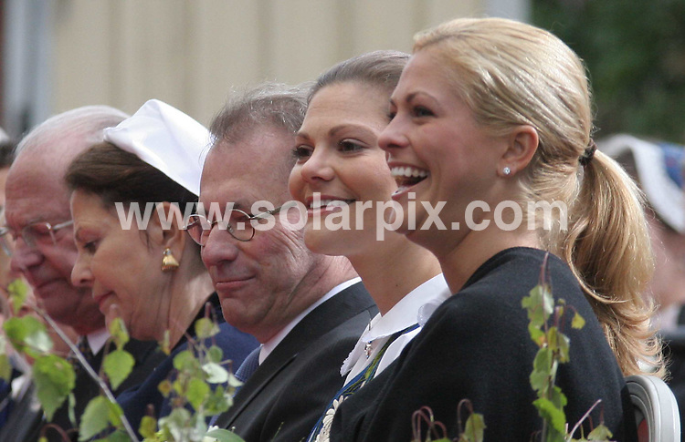 **ALL ROUND PICTURES FROM SOLARPIX.COM**.**SYNDICATION RIGHTS FOR UK AND SPAIN ONLY**.Princess Madeleine of Sweden opens the gates to the Stockholm Palace for the annual 'Open Palace' event, which allows public to visit the palace, as part of the celebrations of Swedish National Day. Stockholm, Sweden. 6 June 2009.This pic: Princesses Victoria and Madeleine of Sweden..JOB REF: 9194 PRT (Berggren   DATE: 06_06_2009.**MUST CREDIT SOLARPIX.COM OR DOUBLE FEE WILL BE CHARGED**.**ONLINE USAGE FEE GBP 50.00 PER PICTURE - NOTIFICATION OF USAGE TO PHOTO @ SOLARPIX.COM**.**CALL SOLARPIX : +34 952 811 768 or LOW RATE FROM UK 0844 617 7637**