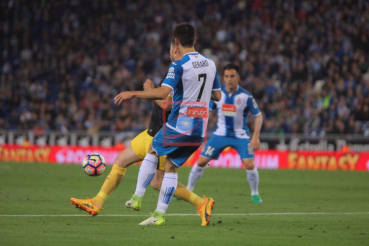 League Santander 2016/2017. Game: 33.<br /> RCD Espanyol vs Atletico de Madrid: 0-1.<br /> Gerard Moreno vs Filipe Luis.