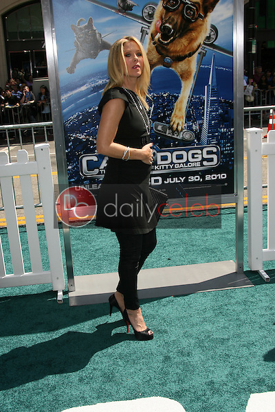"""Christina Applegate<br /> at the """"Cats and Dogs The Revenge Of Kitty Galore"""" World Premiere, Chinese Theater, Hollywood, CA. 07-25-10<br /> David Edwards/DailyCeleb.com 818-249-4998"""