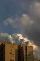SAO PAULO, SP, 11 JULHO 2012  - CLIMA TEMPO - Fim de tarde no bairro da Mooca regiao leste da capital paulista  nessa quarta-feira, 11 FOTO: VANESSA CARVALHO - BRAZIL PHOTO PRESS.