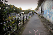 Dalmarnock Bridge fishermen - the path along the Clyde at Dalmarnock, and the fishermen's area - (for SoS, Peter Ross at Large) - 16.9.10 - Picture by Donald MacLeod - mobile 07702 319 738 - clanmacleod@btinternet.com