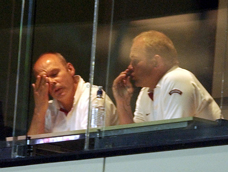 Photo: Richard Lane..England v Wales.  Quarter-Final 2, at the Suncorp Stadium, Brisbane. RWC 2003. 09/11/2003..Clive Woodward and Andy Robinson show the pressure.
