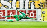 Solna 2015-07-26 Fotboll Allsvenskan AIK - IF Elfsborg :  <br /> AIK:s m&aring;lvakt Kyriakos Stamatopoulos sl&auml;nger sig efter ett skott av Elfsborgs Simon Lundevall vid reduceringen till 2-4 under matchen mellan AIK och IF Elfsborg <br /> (Foto: Kenta J&ouml;nsson) Nyckelord:  AIK Gnaget Friends Arena Allsvenskan Elfsborg IFE