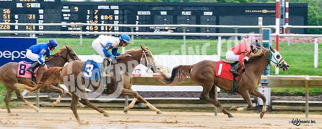 Grandiosa CS winning at Delaware Park on 9/1/16