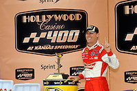 Winner Kevin Harvick (#29) in Victory Lane.