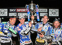 Bjarne Pedersen lifts the trophy for Poole - Poole Pirates vs Lakeside Hammers, Elite League Grand Final 2nd leg at Wimborne Road, Poole - 13/10/08 - MANDATORY CREDIT: Rob Newell/TGSPHOTO