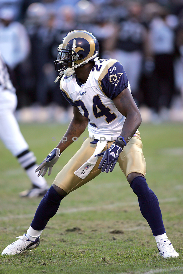 RON BARTELL, of the St. Louis Rams, during their game  against the Oakland Raiders on December 17, 2006 in Oakland, CA...Rams win 20-0...ROB HOLT/ SPORTPICS