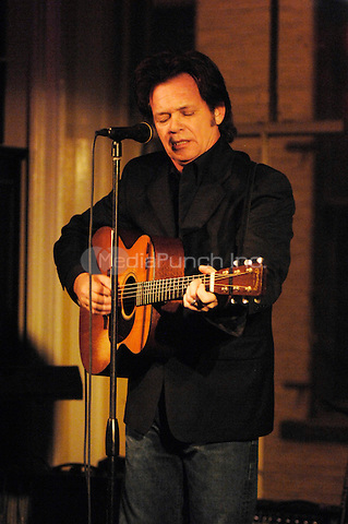 John Mellencamp performing at a benefit for Housing Works in New York City on January 25, 2008, © David Atlas / MediaPunch
