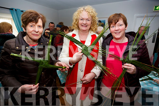 Pictured in the Hall in Ballinskelligs on Sunday for the St Bridgets Cross workshop were l-r; Bríd Ní Chonchubhair, Catherine Curran & Oonagh Walsh.