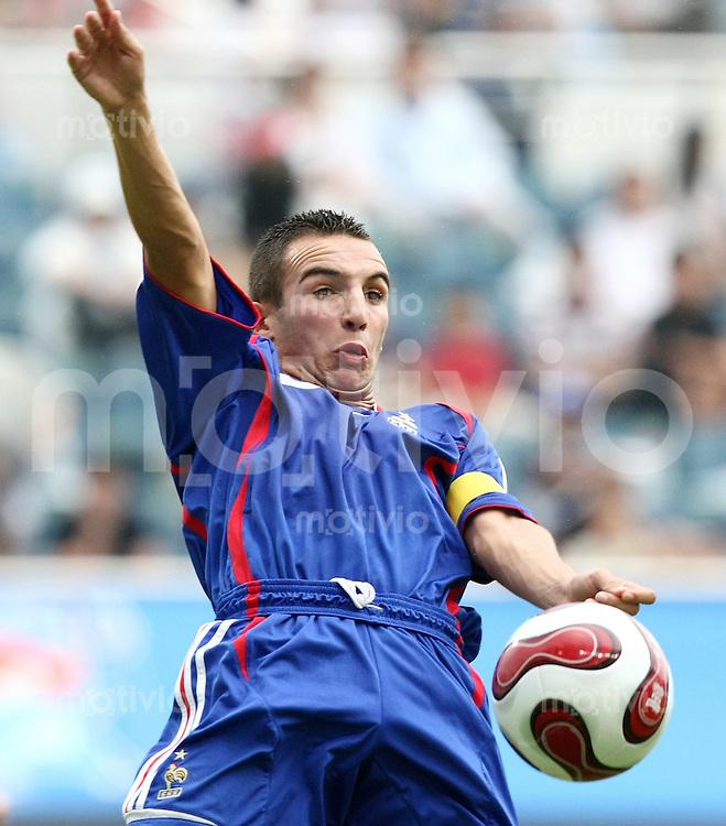 Fussball International U17 WM  Viertelfinale  Frankreich - Spanien  France - Spain  Said Mehamha (FRA) am Ball