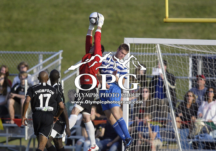 09 June 2009:  Portland Timbers keeper #0 Steve Cronin pulls down a corner kick in the box against the Kitsap Pumas at Memorial Stadium in Bremerton, WA.  The Portland Timbers won 3-0 over the Kitsap Pumas in the first round of the US Open Cup.