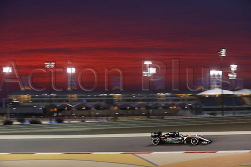 01.04.2016. Bahrain. FIA Formula One World Championship 2016, Grand Prix of Bahrain, Practise day.  11 Sergio Perez (MEX, Sahara Force India F1 Team) as the sun goes down over the circuit