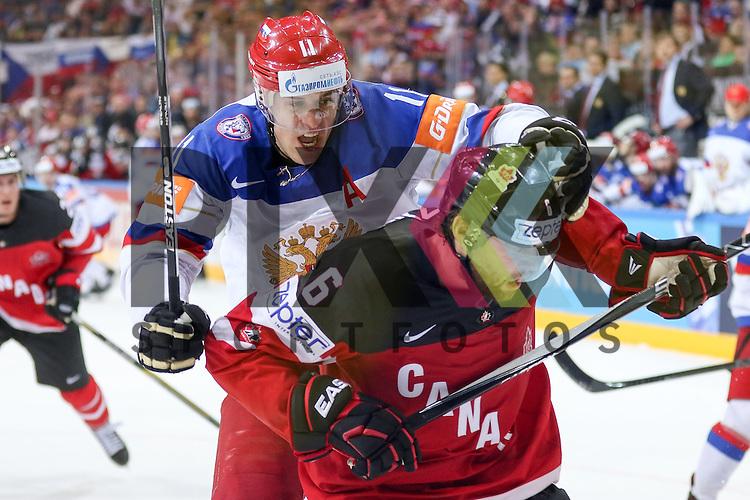 Canadas Muzzin, Jake (Nr.6) im Zweikampf mit Russlands Malkin, Yevgeni (Nr.11)(Pittsburgh Penguins)  im Spiel IIHF WC15 Finale Russia vs. Canada.<br /> <br /> Foto &copy; P-I-X.org *** Foto ist honorarpflichtig! *** Auf Anfrage in hoeherer Qualitaet/Aufloesung. Belegexemplar erbeten. Veroeffentlichung ausschliesslich fuer journalistisch-publizistische Zwecke. For editorial use only.