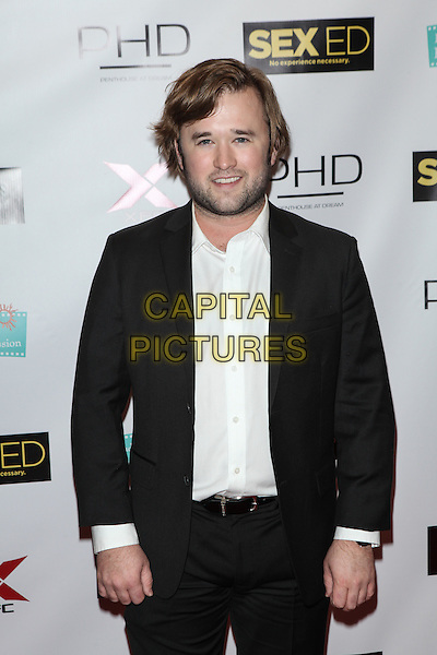 NEW YORK, NY - NOVEMBER 7: Haley Joel Osment attends the 'Sex Ed' New York Premiere at AMC Empire 25 theater on November 7, 2014 in New York City.   <br /> CAP/MPI/COR<br /> &copy;Corredor99/ MediaPunch/Capital Pictures