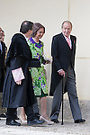 Spanish King Juan Carlos (R) and Spanish Queen Sofia (C) before a ceremony to present Poniatowska the 2013 Cervantes Prize Literature prize at Alcala University in Madrid, Spain. April 23, 2014. (ALTERPHOTOS/Victor Blanco)