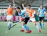 WASSENAAR - Hoofdklasse hockey heren, HGC-Bloemendaal (0-5).  Olivier van Tongeren (HGC)  met rechts Jord Beekmans (Bldaal) . COPYRIGHT KOEN SUYK