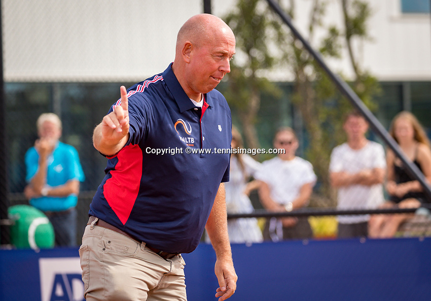 Amstelveen, Netherlands, 1 August 2020, NTC, National Tennis Center, National Tennis Championships, Umpire Rob Mulder (NED) calls