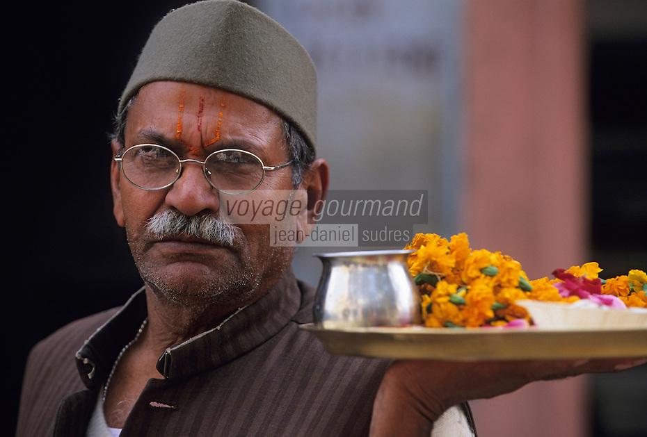 Asie/Inde/Rajasthan/Jaipur: Quartier d'Indra Market - Portrait d'un marchand de fleurs