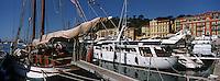 France/06/Alpes Maritimes/Nice: Le Port et ses Yachts