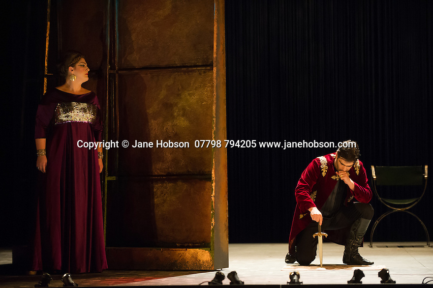 London, UK. 15.10.2014. English Touring Opera presents OTTONE, by George Frideric Handel, directed by James Conway, at the Hackney Empire. Picture shows:  Rosie Aldridge (Matilda) and Clint van der Linde (Ottone). Photograph © Jane Hobson.