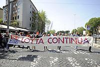 Roma, 25 Aprile 2010. Manifestazione per l'anniversario  della liberazione dal Nazifascismo da Porta San Paolo a Piazza vittorio.. Demonstration for the anniversary of liberation from Nazi-fascism from Porta San Paolo