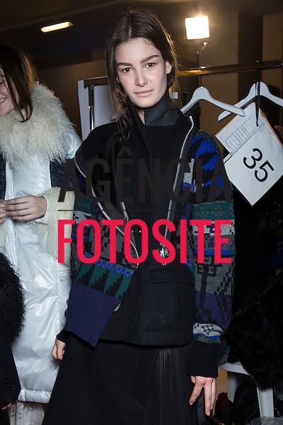 Paris, Franca – 02/2014 - Desfile de Sacai durante a Semana de moda de Paris - Inverno 2014.<br /> Foto: FOTOSITE