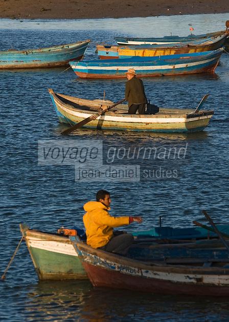 Afrique/Afrique du Nord/Maroc/Rabat: les barques qui font le trajet sur l'estuaire de l'oued Bou Regreg entre Rabat et Salé