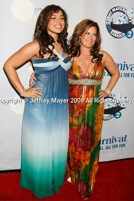 """SAN PEDRO, CA. - March 26: Jordin Sparks and mom Jodi Sparks arrive at the """"One Splendid Evening"""" sponsored by Carnival Cruise Lines and benefiting VH1 Save The Music held on the Carnival Splendor at Port Of Los Angeles on March 26, 2009 in San Pedro, California."""