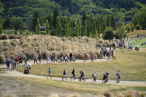 13.03.2016. Arrowtown, New Zealand.  Gallleries follow the play during round 4 at The Hills during 2016 BMW ISPS Handa New Zealand Open. Sunday 13 March 2016.