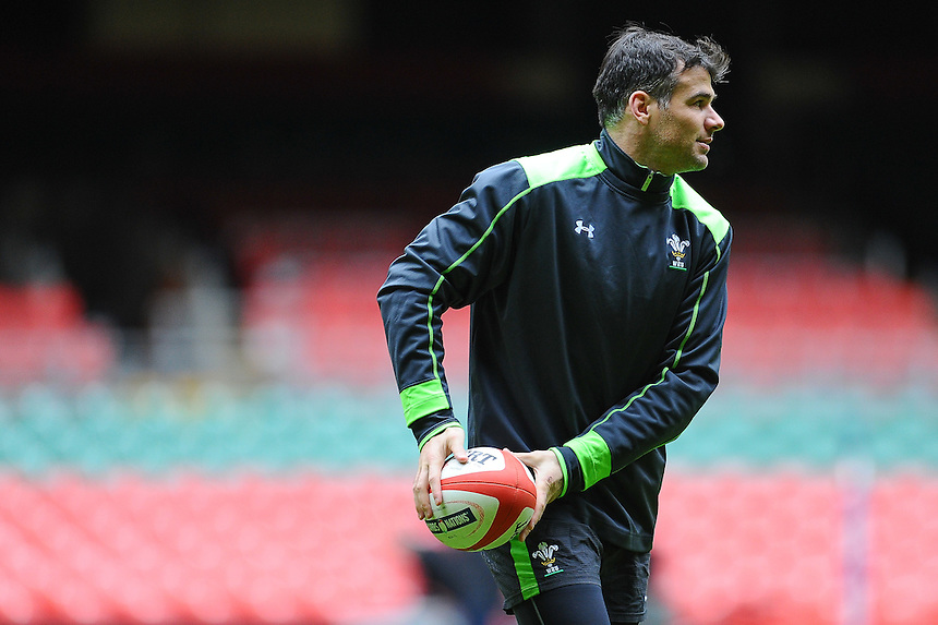 Wales&rsquo; Mike Phillips in action during todays training session at the millennium stadium<br /> <br /> Photographer Craig Thomas/CameraSport<br /> <br /> Rugby Union - 6 nations - Wales squad training - Thursday 5th Feburary - The Vale Training Complex - Vale of Glamorgan<br /> <br /> &copy; CameraSport - 43 Linden Ave. Countesthorpe. Leicester. England. LE8 5PG - Tel: +44 (0) 116 277 4147 - admin@camerasport.com - www.camerasport.com