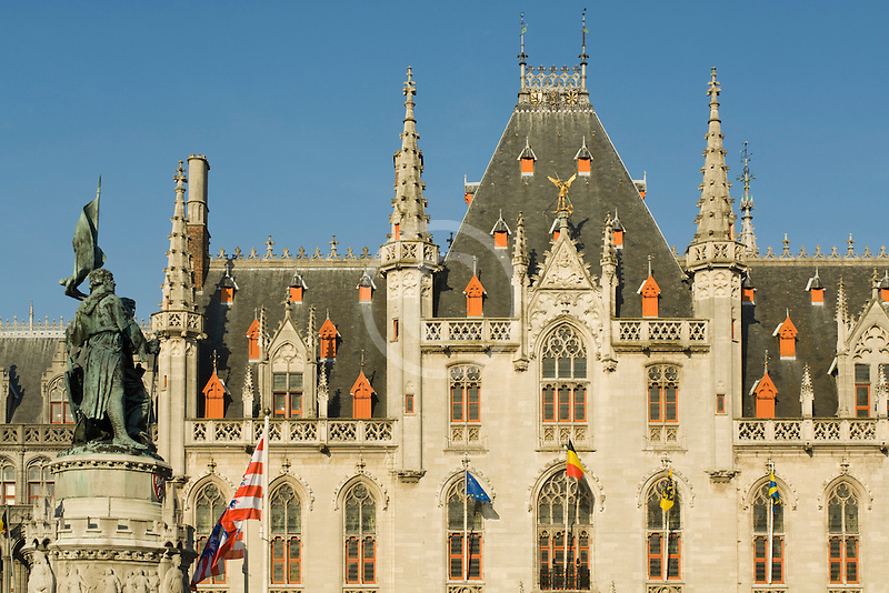 Belgium, Bruges, Provincial Palace and statue of Jan Breydel and Pieter de Coninck, Market Square, Brugge Markt