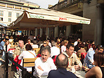 A51PA3 Eating outside in Covent Garden London England