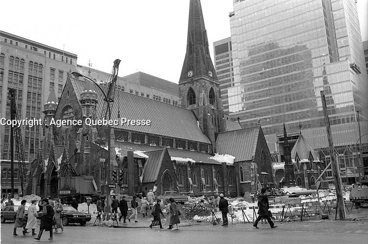 Construction Place de la Cathedrale<br /> , mars 1987<br /> <br /> <br /> <br /> PHOTO  :  Agence Quebec Presse